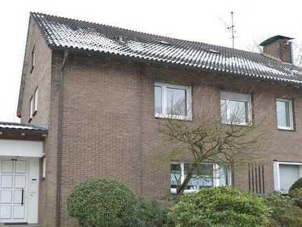 BO-Süd: helle, ruhig gelegene 2 ZKB Wohnung (DG) mit Fernblick, 49 qm (Einbauküche), f. 1 Person