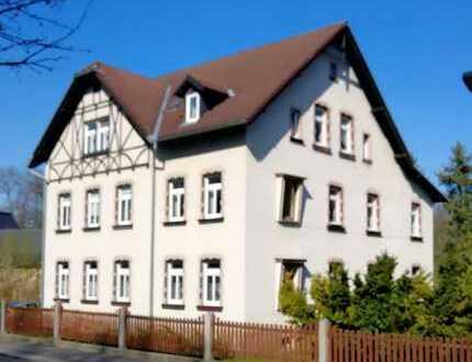 Preiswerte, sanierte 5-Zimmer-Wohnung zur Miete in Lichtenstein/Sachsen