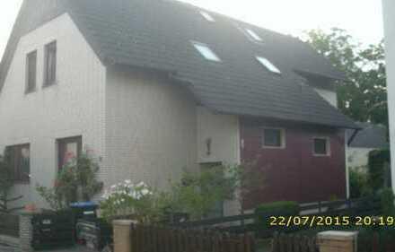 Gepflegte 3,5-Zimmer-Wohnung mit Dachterrasse und EBK, sep. Eingang mit Videosprechanlagein Misburg