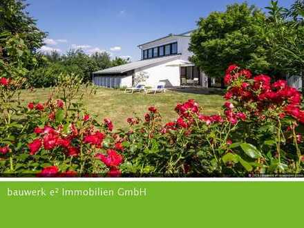 Traumhafte Villa mit großem Grundstück und Schwimmbad in Dunningen
