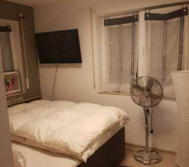 Stilvolle 3-Zimmer-EG-Wohnung mit Balkon und Einbauküche in Irsching