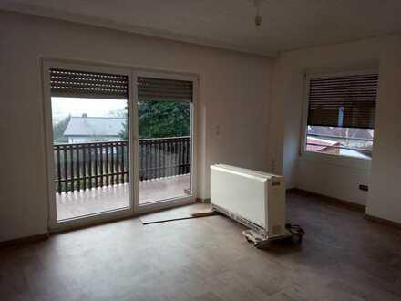 Erstbezug nach Sanierung: helle 3-Zimmer-Wohnung mit Balkon Schwandorf/Kreuzbergviertel