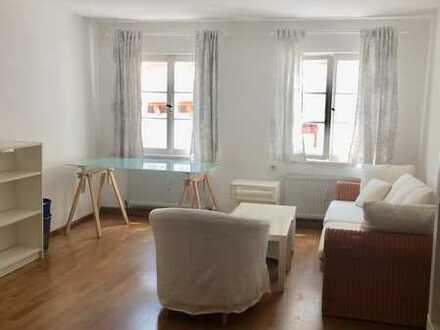 Herrlich helle Altstadthaus-2-Zi-Wohnung