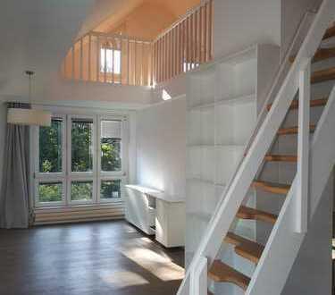 Wunderschöne, helle 2-Zimmer-Galerie-Wohnung mit Wintergarten in Südausrichtung