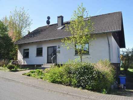 Freistehendes Einfamilien- bzw. Mehrgenerationenhaus mit großem Garten
