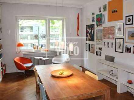 Düsseldorf - Golzheim + Traumhafte Altbauwohnung + Ein Schlafzimmer + Balkon + kleine Garage