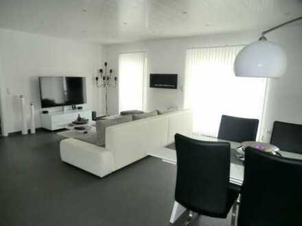 Moderne 3 Zimmer Wohnung mit Balkon