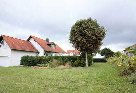 Herrliches Grundstück mit renovierungsbedürftiger Landhausvilla