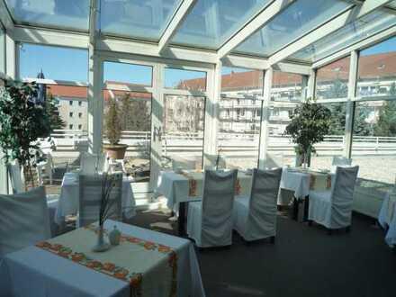 Leipziger Land: Attraktives Hotel mit Gewerbeflächen