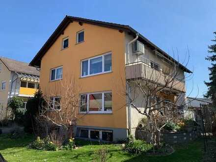 Eigener Garten, Kamin, Garage, 4 Zi. in Zweifamilienhaus in Sackgasse