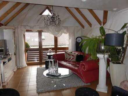 Beachtenswerte 3,5-Zimmer-Dachgeschosswohnung mit 2 sonnigen Loggias in Gersthofen