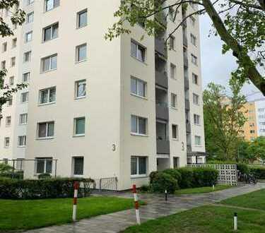 PROVISIONSFREI!!!! Stilvolle, sanierte 3-Zimmer-Wohnung mit Balkon und Einbauküche in Eschborn