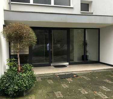 Attraktive 2-Zimmer-Wohnung mit Einbauküche und Balkon in Müngersdorf, Köln
