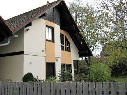 Gemütliche 3-Zimmer-Wohnung mit zwei Balkonen und eigenem großen Garten