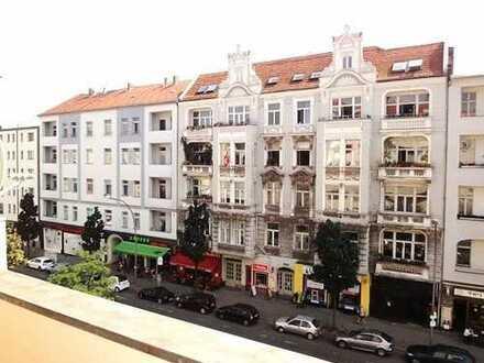 Sanierte 3 Zimmerwohnung mit Balkon in zentraler Lage, neue EBK und neues Bad - Erstbezug