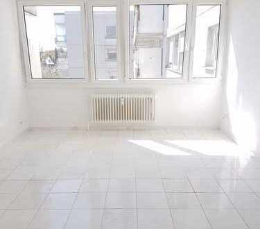 Gepflegte 2-Zimmer-Wohnung mit EBK in Laim, München