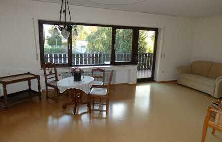 BESTLAGE-Sehenswerte, großzügige, freie 2-Zimmerwohnung mit großem Balkon