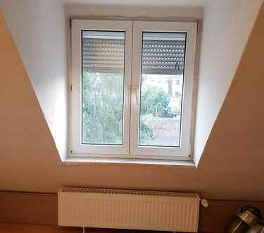Frisch renovierte WG-Zimmer in Ludwigshafen-Oggersheim