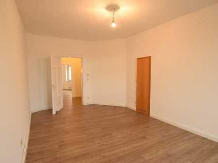 *** Kleine Wohnung mit Altbau-Charme in Essen-Kupferdreh ***