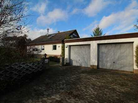 Familienfreundliches Einfamilienhaus mit sonnigem Grundstück, in bevorzugter ruhiger Ortsrandlage