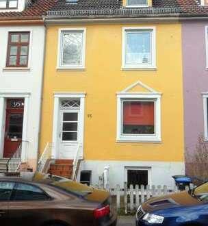 Gemütliche Dachgeschosswohnung in begehrter Wohnlage