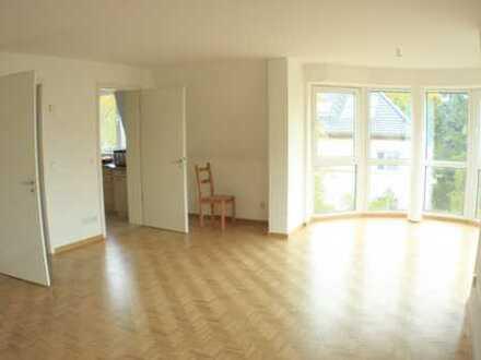 Gepflegte 3-Zimmer-Wohnung mit Balkon und Einbauküche in Hoppegarten