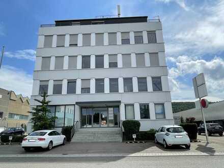 Anlageobjekt mit Erweiterungspotential: Bürogebäude mit 1 Wohnung + Autowerkstatt