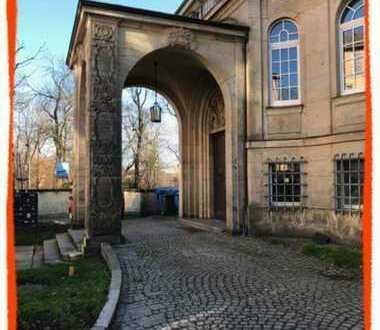 TOLLES 1-Zi. Büro- oder Praxis in repräsentativer Villa zu vermieten!