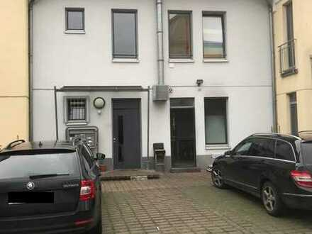 Charmante, helle und sonnige 1 Zimmer Maisonette-DG-Wohnung in zentraler Saulheimer Lage