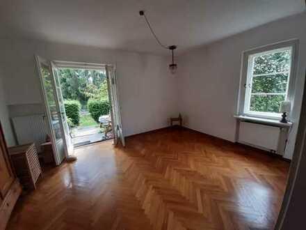 Freundliche 3-4 Zimmer-Hochparterre-Wohnung mit Terrasse und Balkon in Dresden-Bühlau