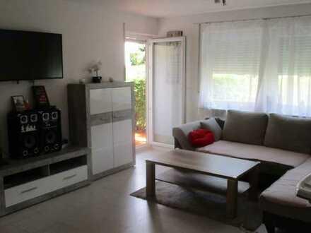 Schöne, helle 4,5 Zi-EG-Whg, Einbauküche, Terrasse, Tageslichtbad, ruhige Lage