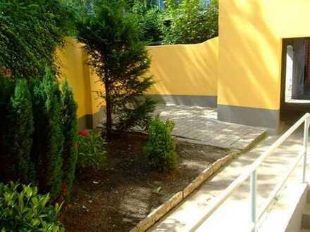Wohnung mit kleinen Garten und Terrasse in ruhiger Lage.