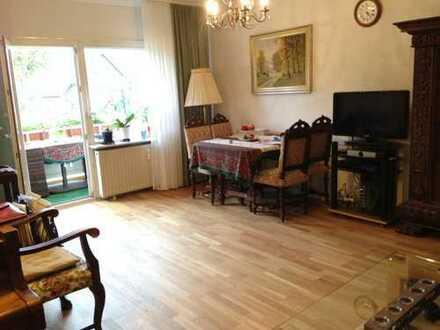 Preiswerte, vollständig renovierte 3-Zimmer-EG-Wohnung mit Balkon und Einbauküche in Euskirchen