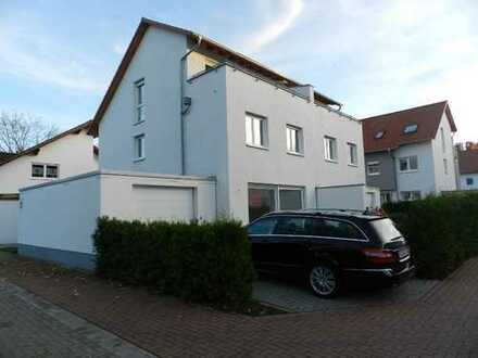 Neuwertiges Haus mit Seeblick