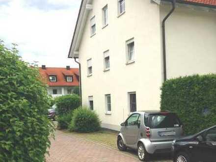 Schöne 2-Zimmer Wohnung mit kleiner Terrasse