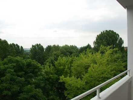 Im Grünen gelegene 2-Raum-Wohnung mit Balkon