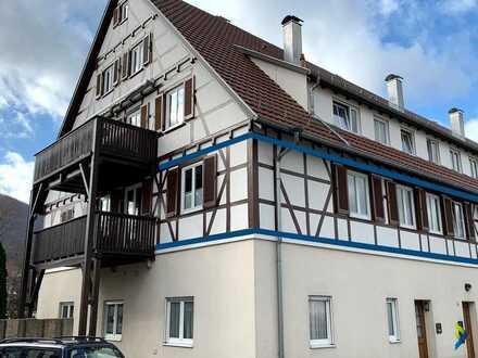 traumhafte 4-Zimmer-Wohnung mit 2 Garagen und tollem Balkon
