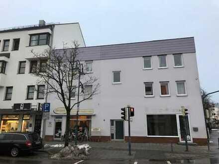 Toplage: frequenz-/aufmerksamkeitsstarkes und helles Ladenlokal an Hauptstraße