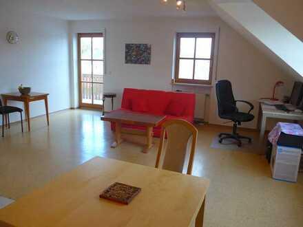 2 Zimmer Dachgeschoß Wohnung in Baar-Ebenhausen, 56,84 m²