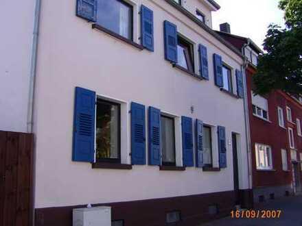 Attraktive 5-Zimmer-Maisonette-Wohnung mit Terrasse in Kaiserslautern