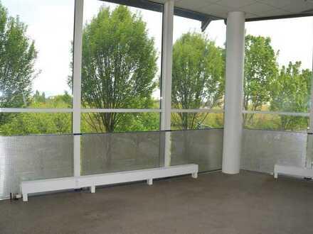 Helles Zimmer mit Glasfront für 2 Personen Uni Nähe