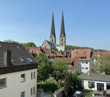 Große Wohnung mit vier Zimmern und Einbauküche in der Bielefelder Altstadt