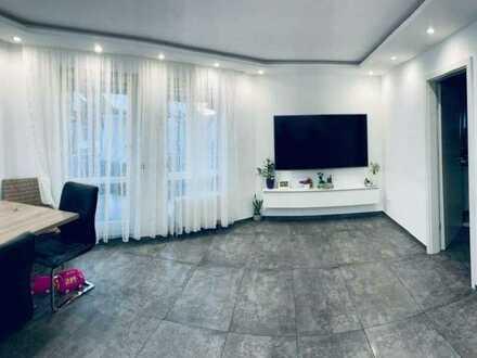 Schöne, moderne 3,5-Zimmer-Wohnung mit EBK, Balkon & Garage zu verkaufen!