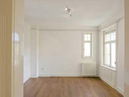 *Provisionsfrei*-Erstbezug nach Modernisierung: 5-Zimmer Altbauwohnung im Stuttgarter Süden