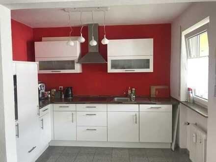 Vollständig renovierte 2-Zimmer-Wohnung mit Balkon und EBK in Singen (Hohentwiel)