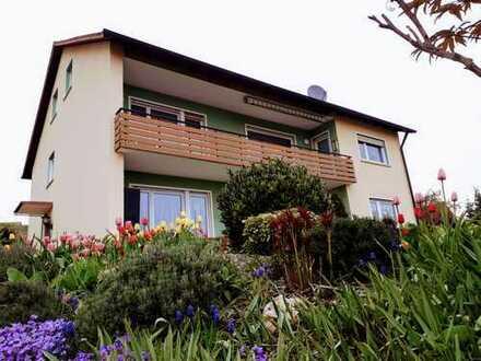 Provisionsfrei: Ruhig gelegenes Zweifamilienhaus mit Gartengrundstück in Sulzfeld/Main zu verkaufen