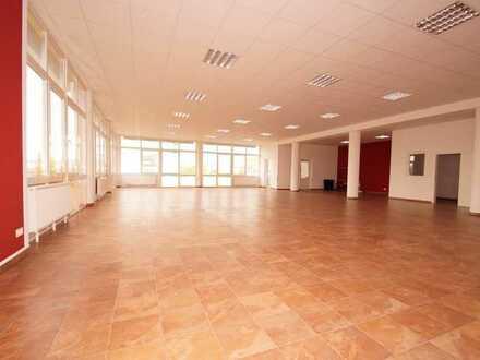 Exklusives Ladengeschäft, Büro, beste Lage in Gründau-Lieblos, 550 qm, Parkplätze, EG barrierefrei