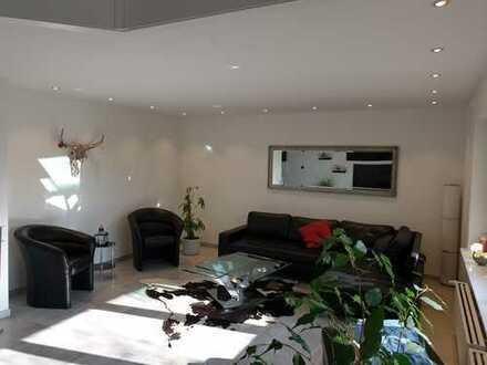 Neuwertiges 7-Zimmer-Einfamilienhaus mit hochwertiger Einbauküche in Naumburg
