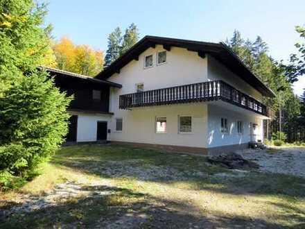 Landhaus -Naturfreundehaus- in absoluter ALLEINLAGE umgeben von Wäldern Nähe Schloss Egg
