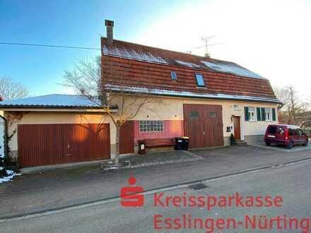 Bauernhaus mit Scheuer und Garage